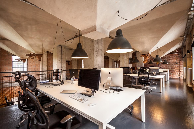 Lara Workroom